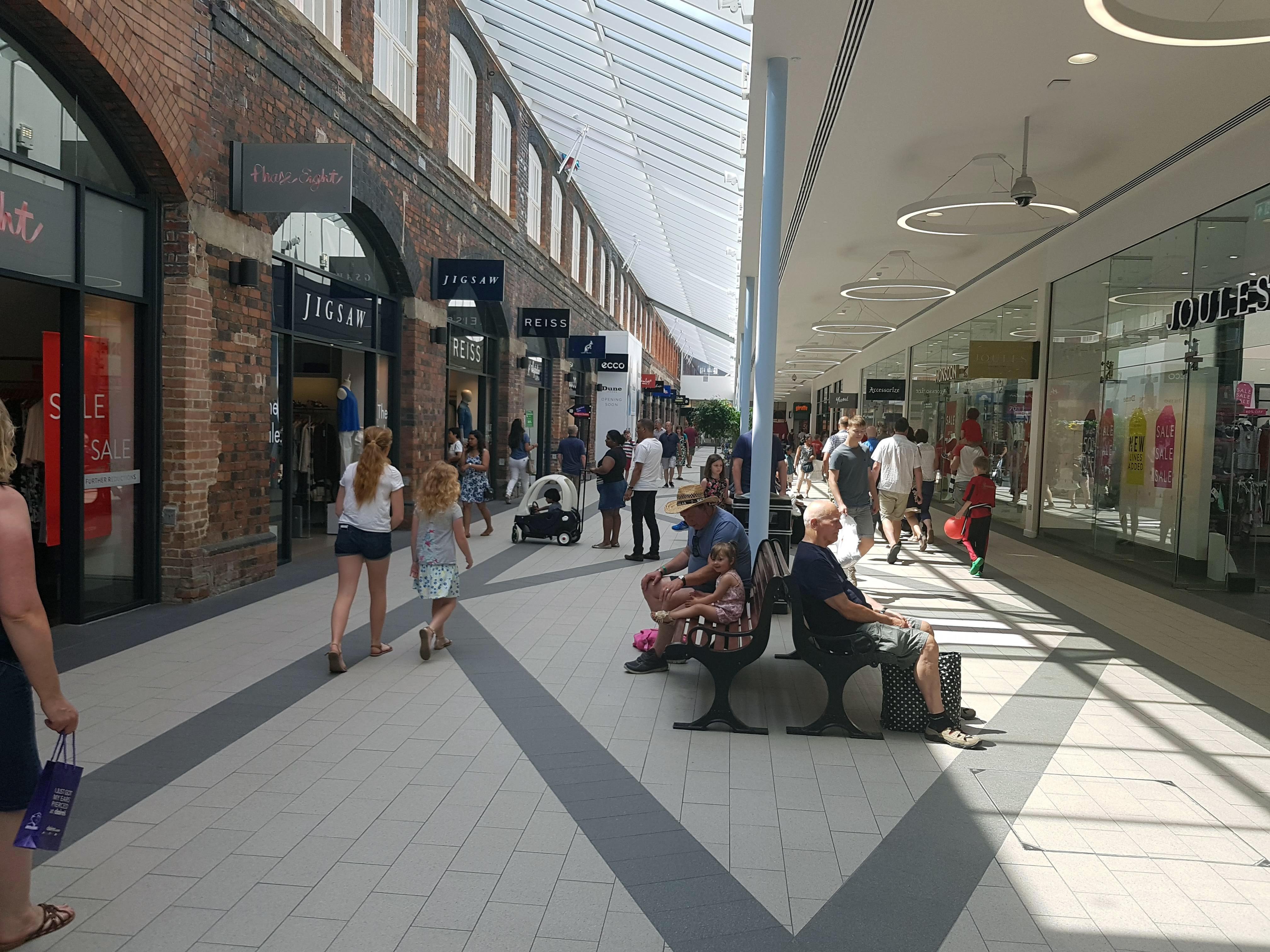 Swindon Designer Outlet A Shoppers Dream London Road