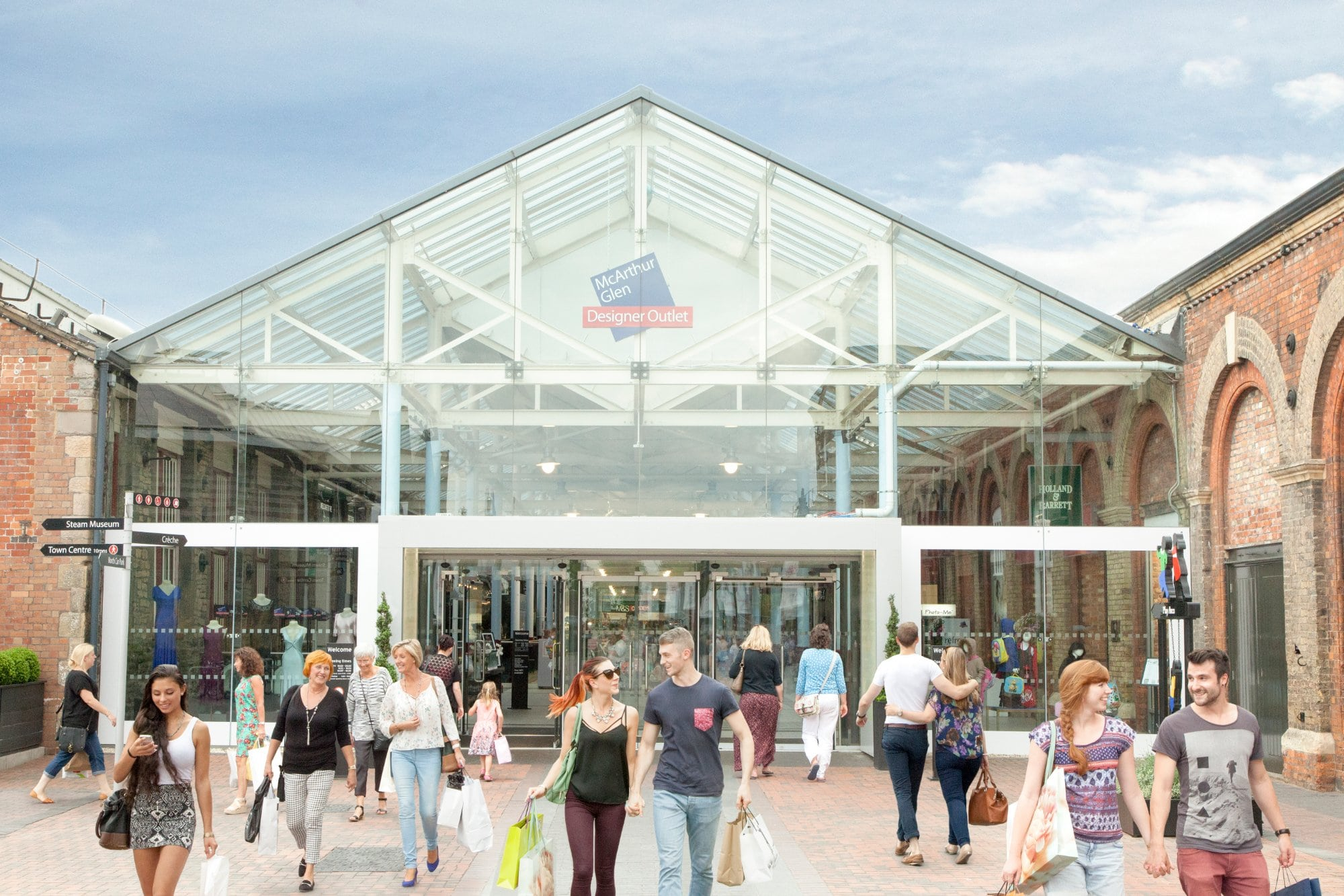 201f0f2103c55c Swindon Designer Outlet has a variety of restaurants around the centre